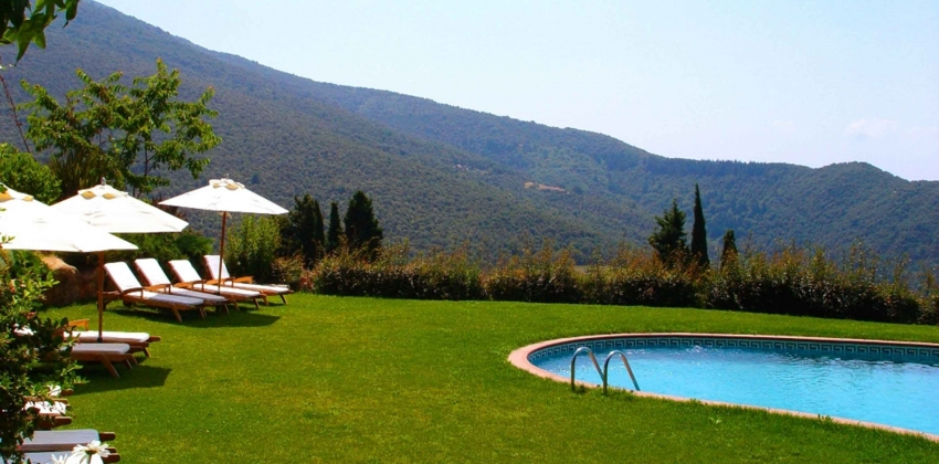 Las piscinas del montseny latest piscina with las for Piscines centelles